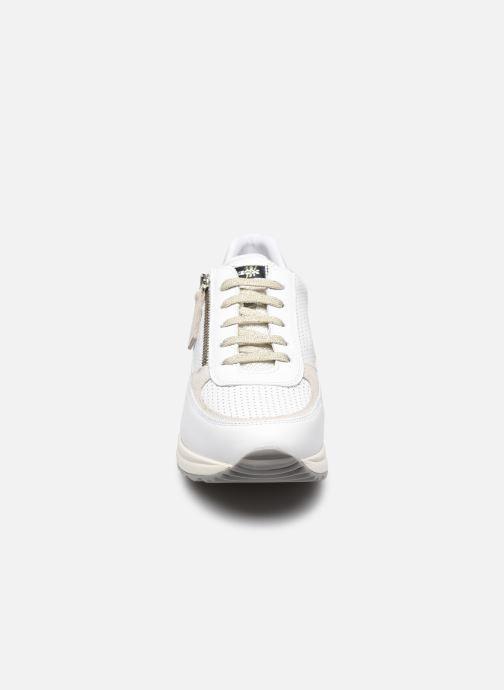 Sneaker Geox D AIRELL A D152SA weiß schuhe getragen