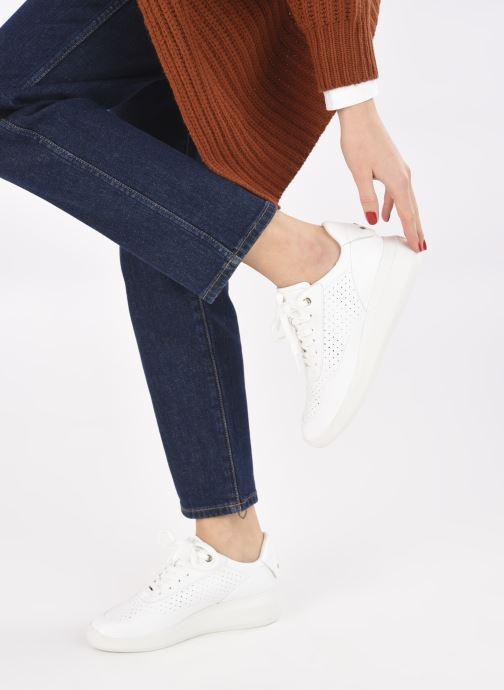 Sneaker Geox D RUBIDIA C D15APC weiß ansicht von unten / tasche getragen