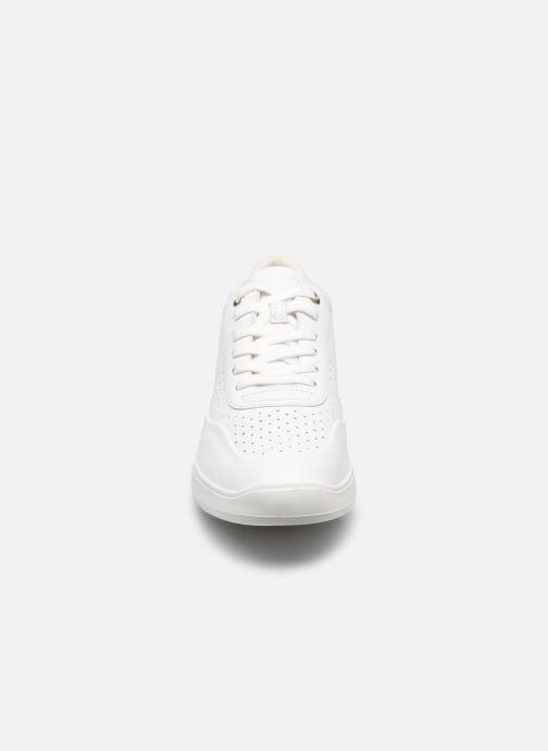 Sneaker Geox D RUBIDIA C D15APC weiß schuhe getragen