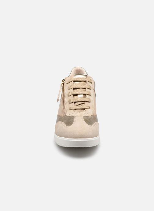 Baskets Geox D STARDUST B Beige vue portées chaussures
