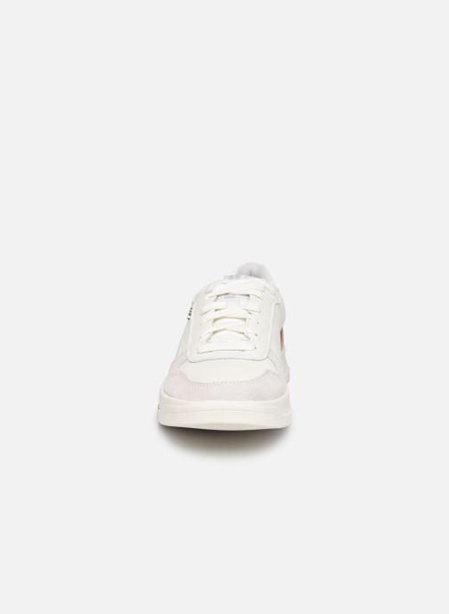 Sneakers Geox U SEGNALE B Bianco modello indossato