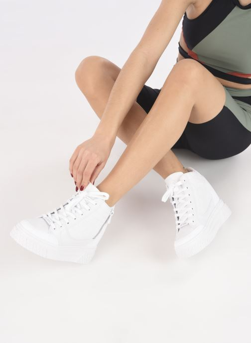 Sneakers Guess RIGGZ Bianco immagine dal basso