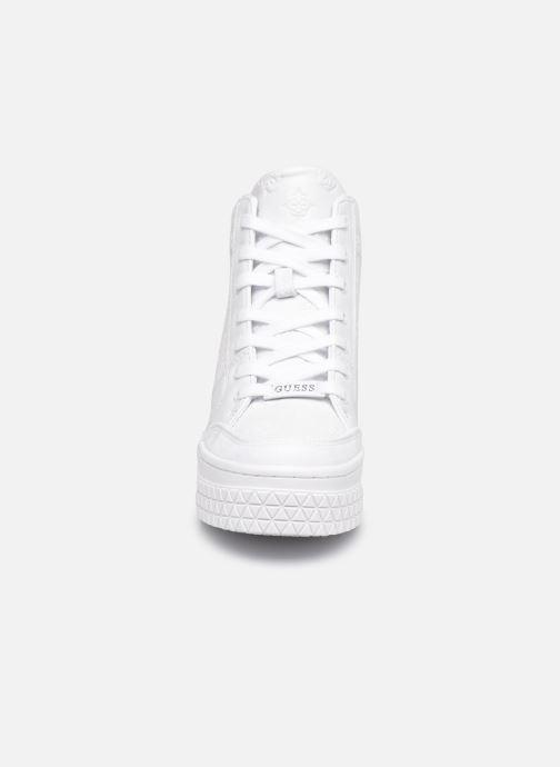 Sneakers Guess RIGGZ Bianco modello indossato