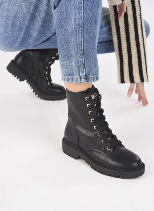 Stiefeletten & Boots Guess OLINIA schwarz ansicht von unten / tasche getragen