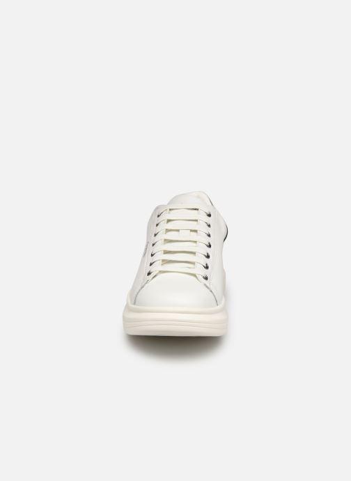 Sneaker Guess SALERNO weiß schuhe getragen
