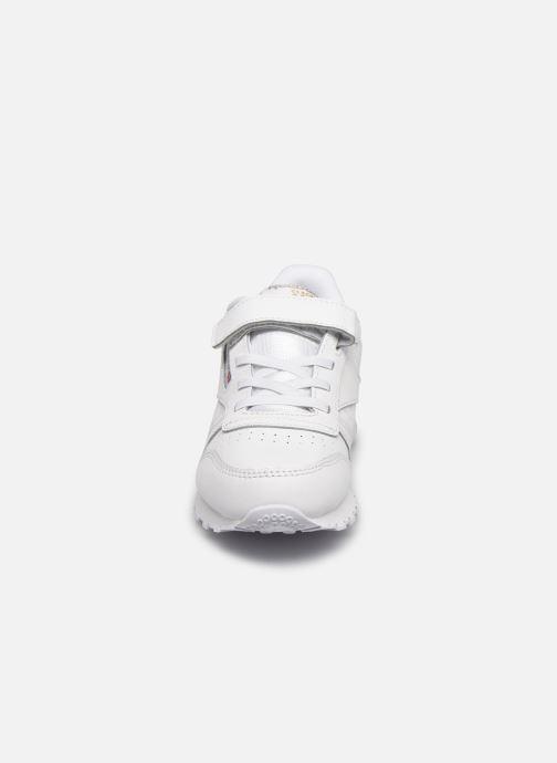 Baskets Reebok Classic Leather 1V Bleu vue portées chaussures