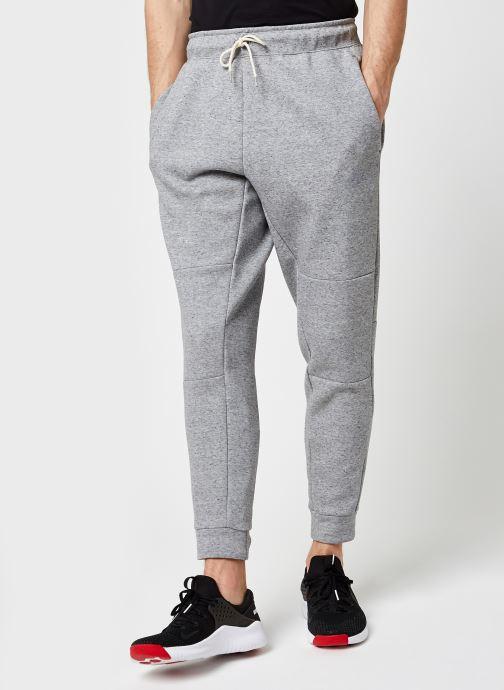Vêtements Nike M Nsw Tech Flc Pant Revival Gris vue détail/paire