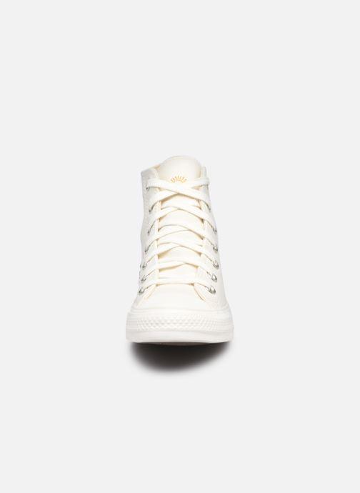 Sneaker Converse Chuck Taylor All Star It's OK To Wander Hi weiß schuhe getragen