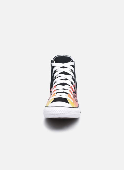 Sneakers Converse Chuck Taylor All Star Archive Prints Hi Nero modello indossato