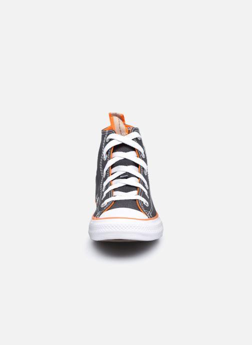 Baskets Converse Chuck Taylor All Star Canvas Color Hi Gris vue portées chaussures