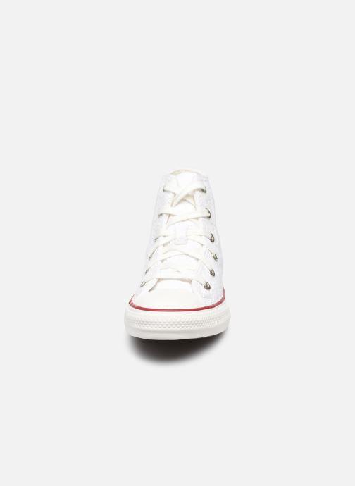Sneakers Converse Chuck Taylor All Star Love Ceremony Hi Bianco modello indossato