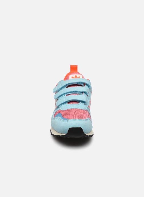 Sneaker adidas originals ZX 700 HD CF C blau schuhe getragen