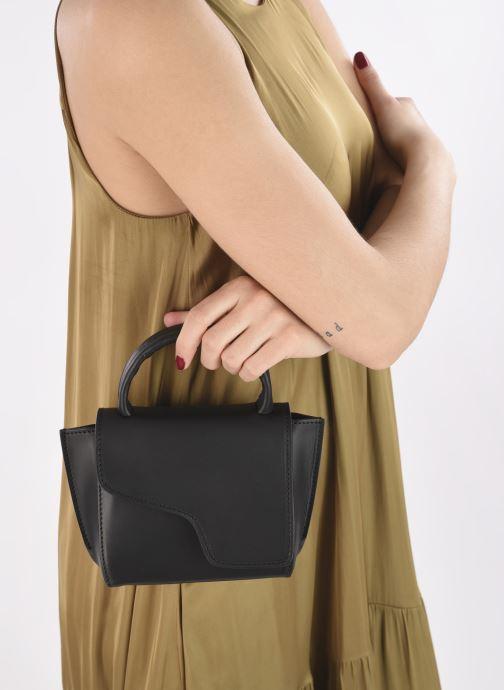 Handtaschen ATP Atelier Montalcino schwarz ansicht von unten / tasche getragen