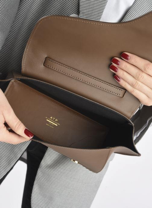 Handtaschen ATP Atelier Arezzo grün ansicht von hinten