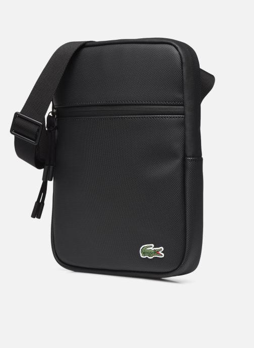 Borse uomo Lacoste M Flat Crossover Bag Nero modello indossato