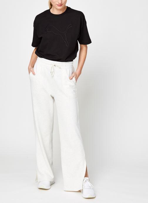Vêtements Puma W Her Flar Pant Tr Blanc vue bas / vue portée sac
