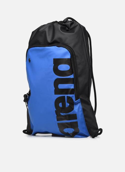 Sacs à dos Arena Team Sack Big Logo Bleu vue portées chaussures