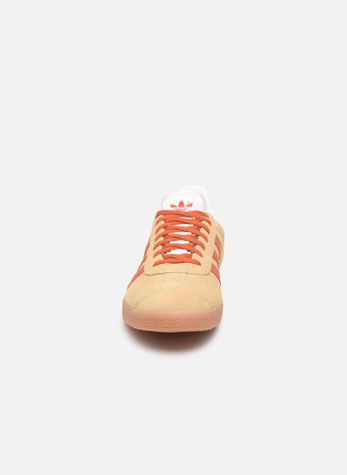 Sneaker adidas originals Gazelle M beige schuhe getragen
