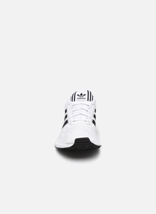 Sportschuhe adidas originals Swift Run X M weiß schuhe getragen