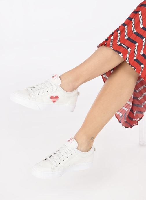 Baskets adidas originals Nizza  Trefoil W Blanc vue bas / vue portée sac