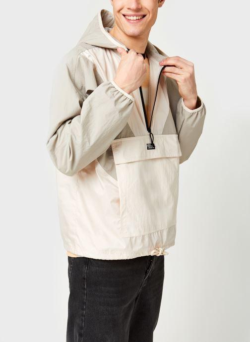 Vêtements Accessoires V-Line Woven Wb