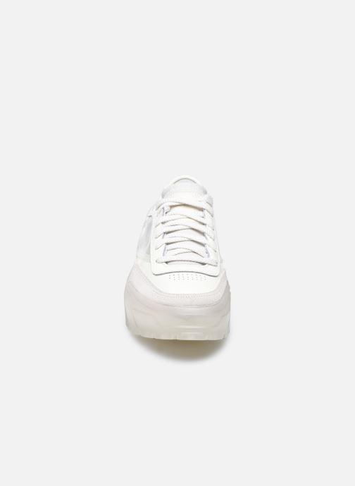 Sneakers Reebok Club C Cardi W Bianco modello indossato