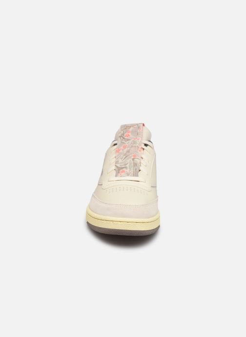Sneaker Reebok Club C 85 M weiß schuhe getragen