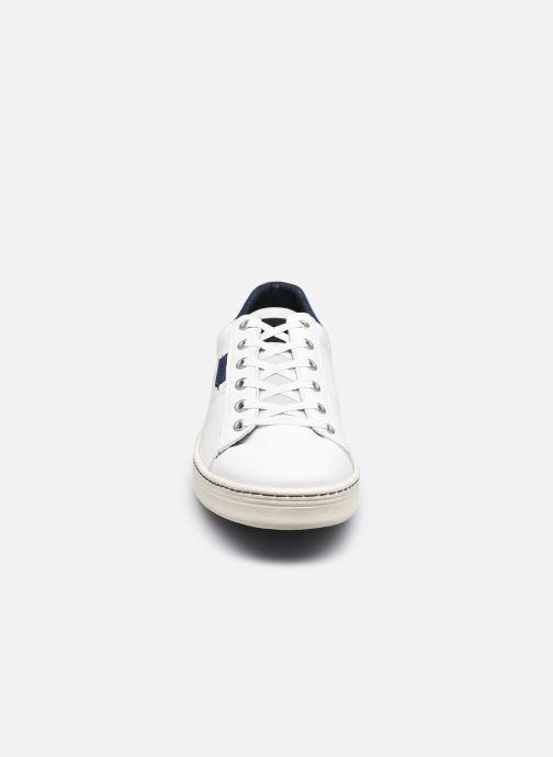 Sneaker Bullboxer 887K20887AWHNASU00 weiß schuhe getragen