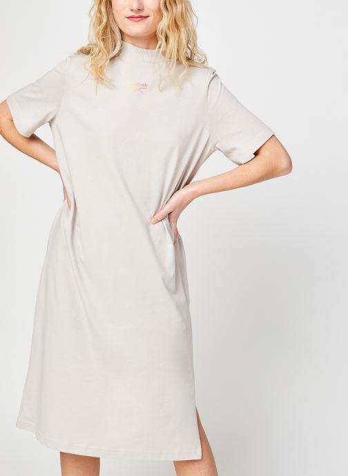 Ropa Reebok Cl Wde Dress Beige vista de detalle / par