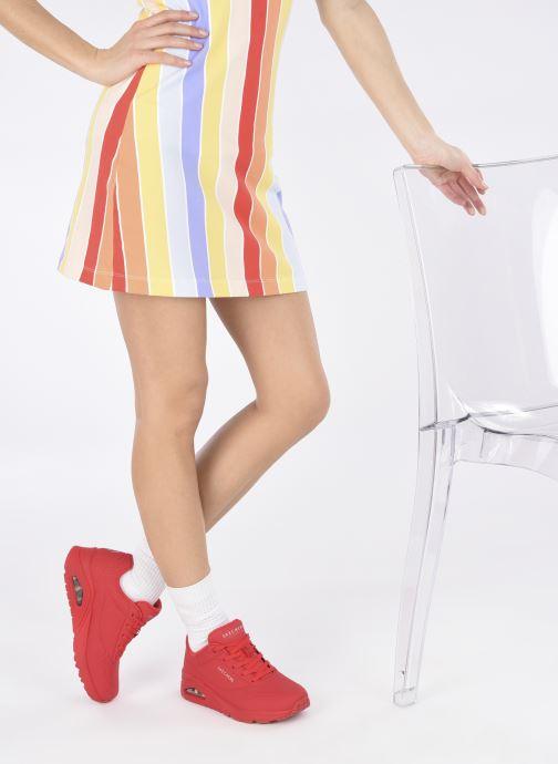 Baskets Skechers UNO STAND ON AIR N Rouge vue bas / vue portée sac
