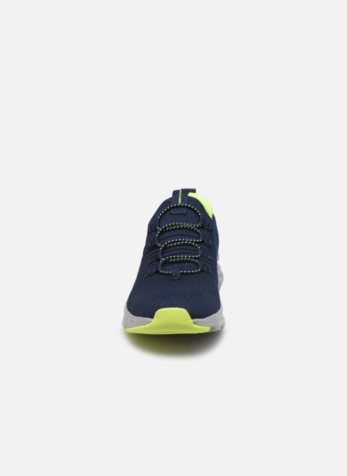 Sneaker Skechers Elite Rush blau schuhe getragen