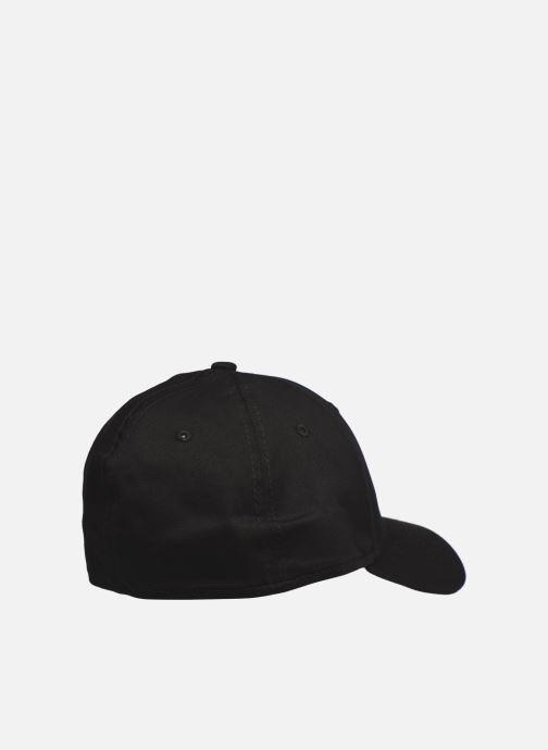 Kappe New Era League Essential 39Thirty schwarz schuhe getragen