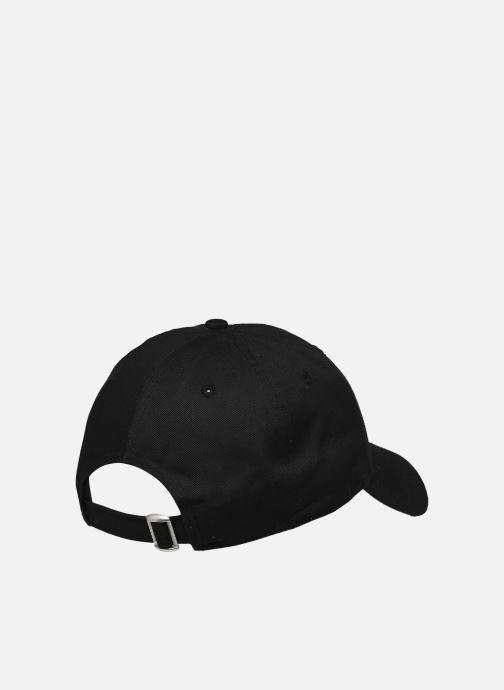 Cappellino New Era Nba League Essential 9Forty Nero modello indossato