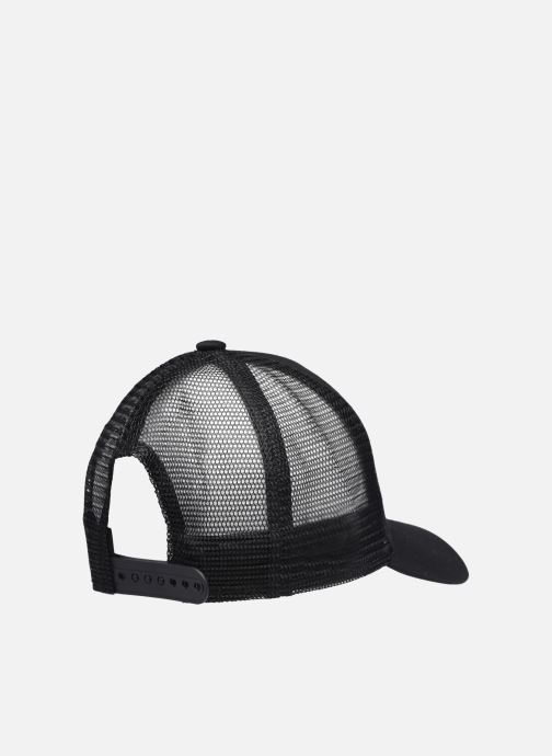 Cappellino New Era Clean Trucker Nero modello indossato
