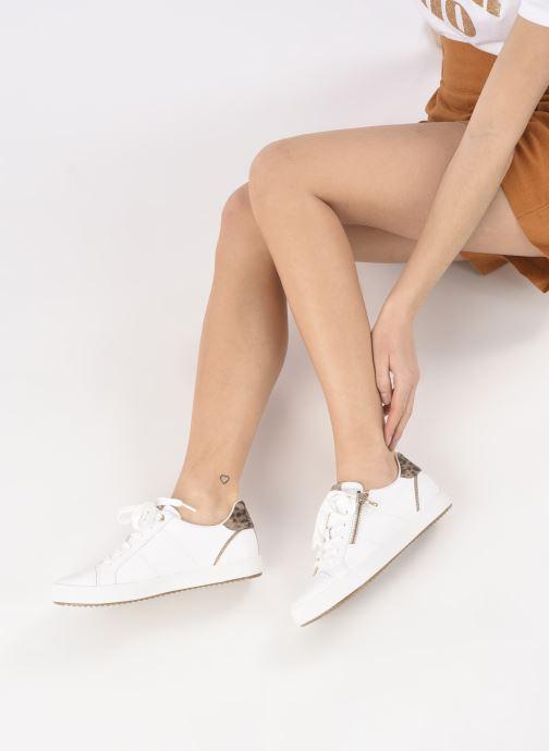 Sneaker Geox BLOOMIEE C weiß ansicht von unten / tasche getragen
