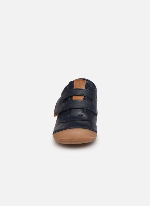 Sneakers Absorba Borso B Azzurro modello indossato