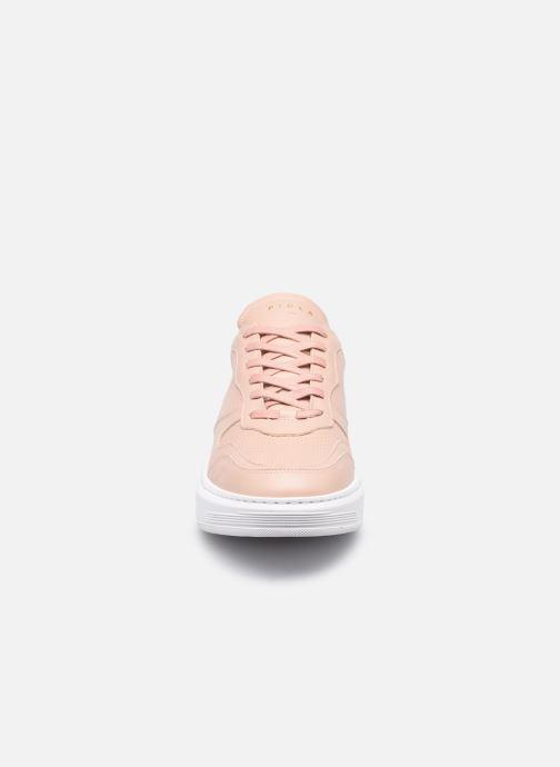 Sneakers Piola Cayma W Beige modello indossato