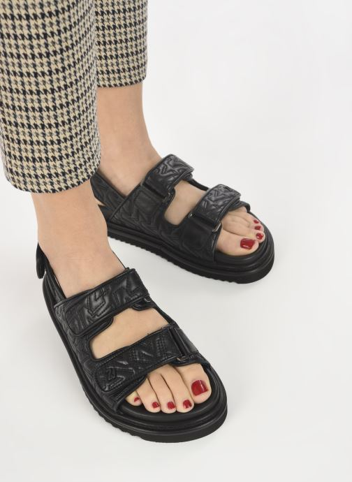 Sandales et nu-pieds Zadig & Voltaire Alpha Grunge Monogram Quilted Noir vue bas / vue portée sac