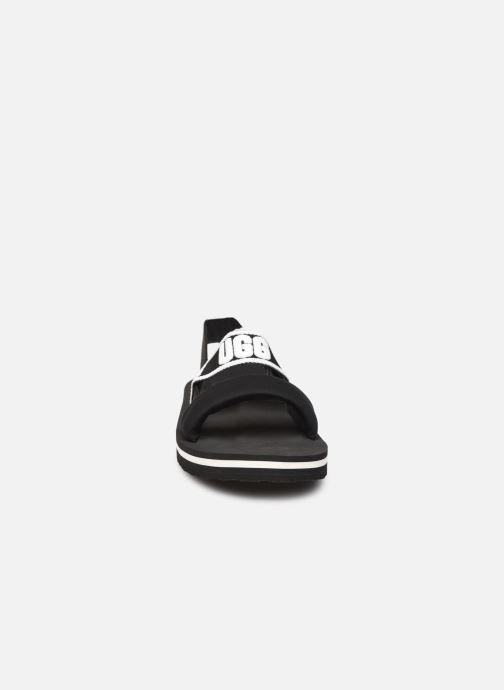 Sandalen UGG Zuma Sling K schwarz schuhe getragen