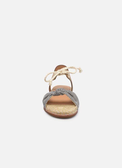 Sandali e scarpe aperte Armistice Rio Coast W Loz Beige modello indossato