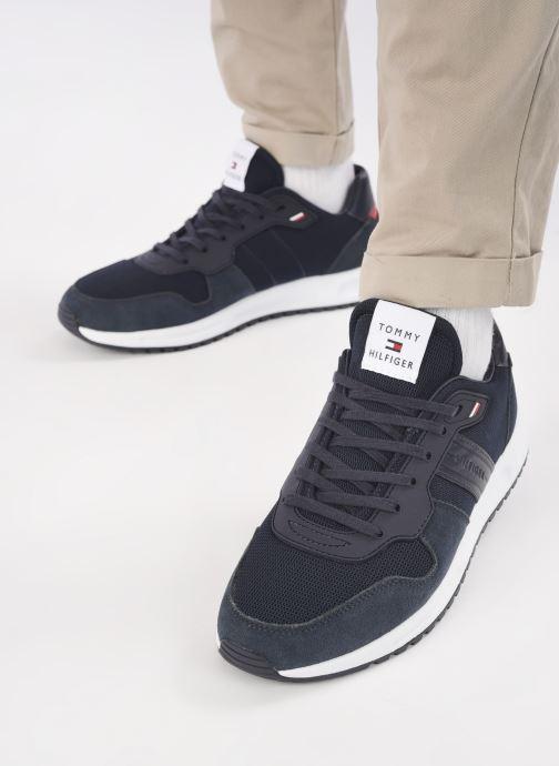 Sneaker Tommy Hilfiger MODERN CORPORATE MIX RUNNER blau ansicht von unten / tasche getragen