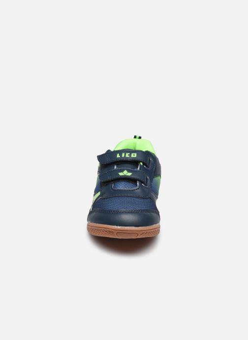 Sneakers Lico Charlie V Azzurro modello indossato