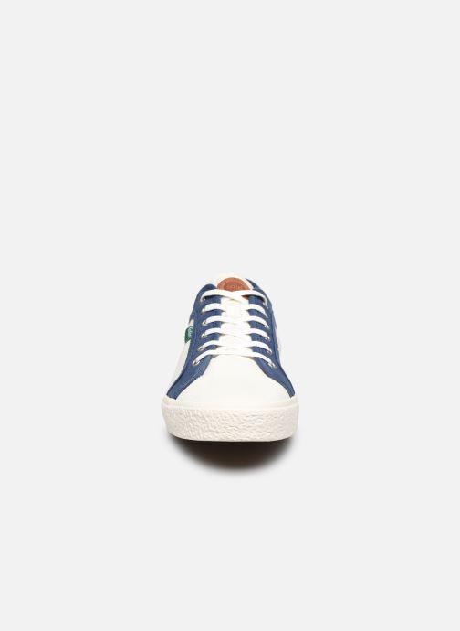 Sneakers Kickers ARVEIL Bianco modello indossato