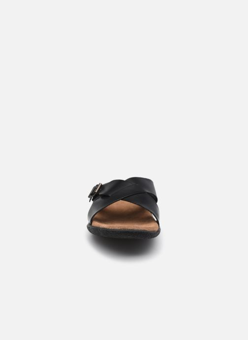 Sandali e scarpe aperte Kickers PEPLONIUS Nero modello indossato