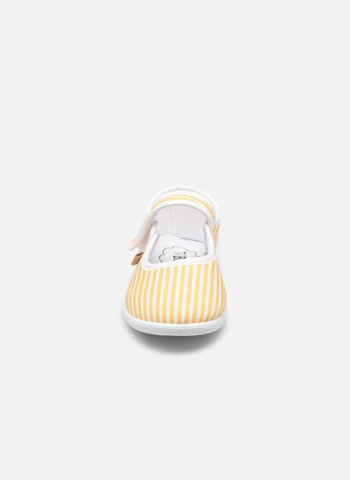 Pantofole Ti'Bossi Suze BR 9039 Giallo modello indossato
