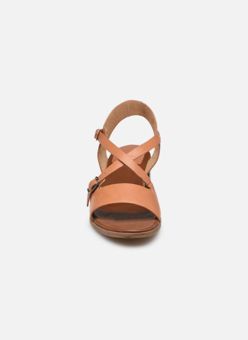 Sandalen Kickers VOLUBILIS braun schuhe getragen