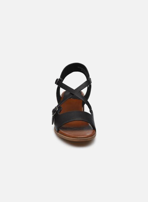 Sandalen Kickers VOLUBILIS schwarz schuhe getragen