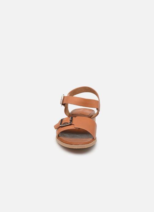 Sandalen Kickers BUCIDI braun schuhe getragen