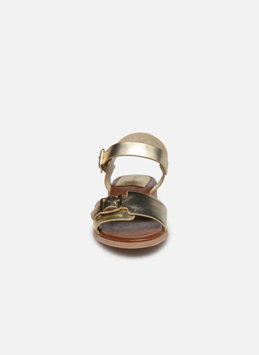 Sandalen Kickers BUCIDI gold/bronze schuhe getragen