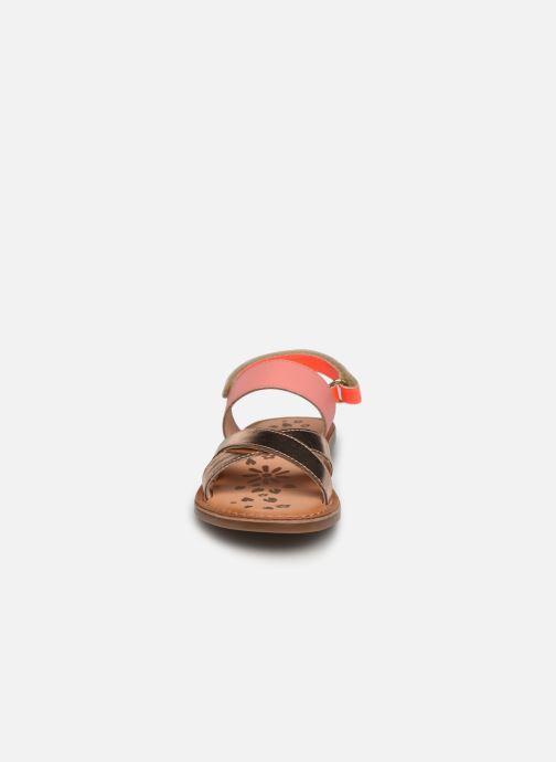 Sandalen Kickers Dyacross rosa schuhe getragen
